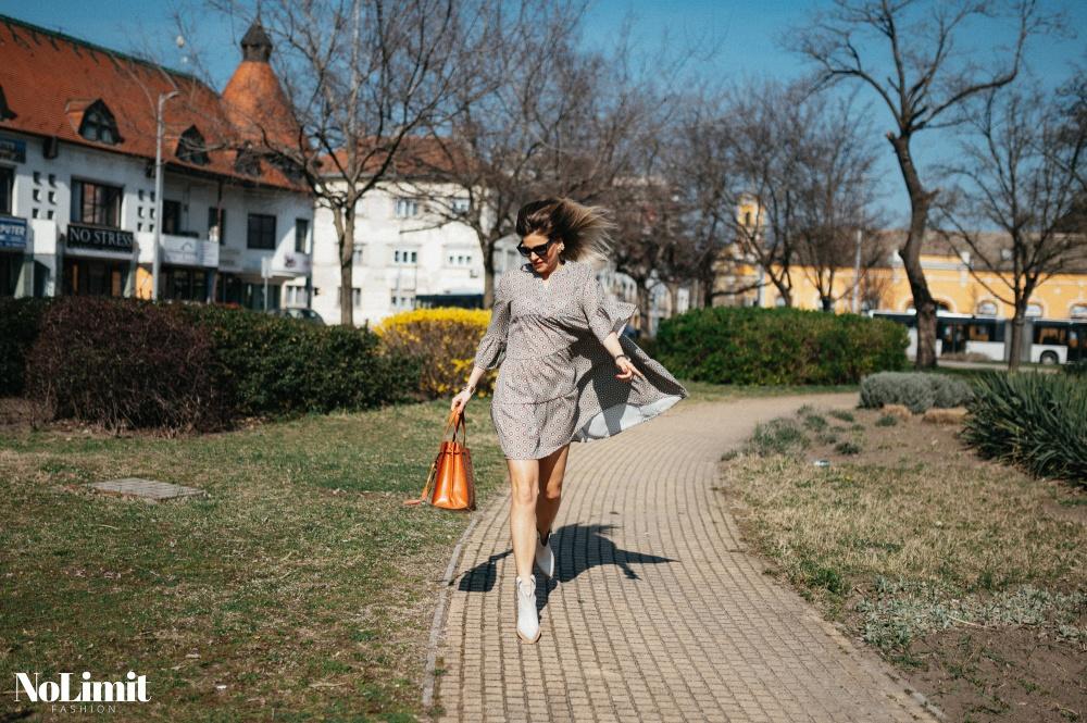 Kis 'easy-going' tavaszi inspiráció - kisruha, kis bőrkabi, kiscsizma, nagy mosoly+napsütés